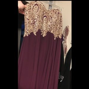 Dresses & Skirts - This is a 4x plum colored prom dress